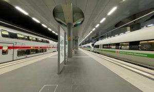 ICE und Intercity im Hauptbahnhof Berlin